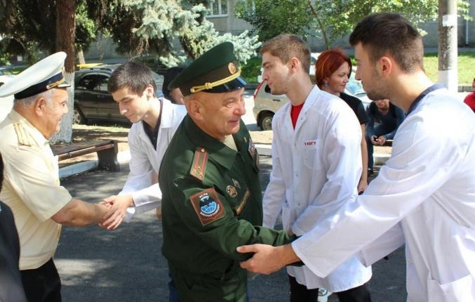 Герой России встретился с волонтерами-медиками в Кабардино-Балкарской Республике